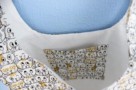 L'intérieur du sac, avec sa petite poche assortie
